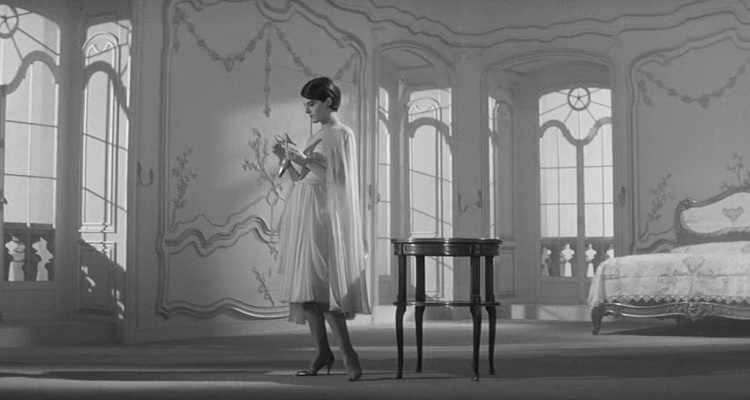 Letztes_Jahr_in_Marienbad_Film_Trailer_Kritik