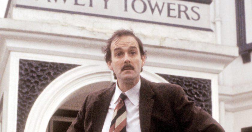 Willkommen zurück im verrückten Hotel – Fawlty Towers mit John Cleese erstmalig auf Blu-ray